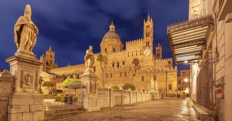 La Cattedrale di Palermo di Notte